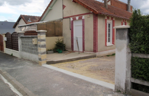 Avant travaux portail pvc défectueux et porte de garage pvc coulissante