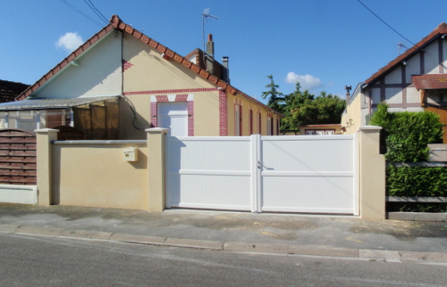 Portail et porte de garage aluminium motorisés